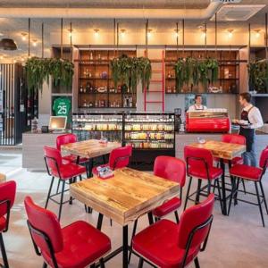 Ben namještaj - Splitska Coffee & Co